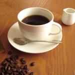 コーヒーはニキビ肌にどのような効果を及ぼすのか考察した。