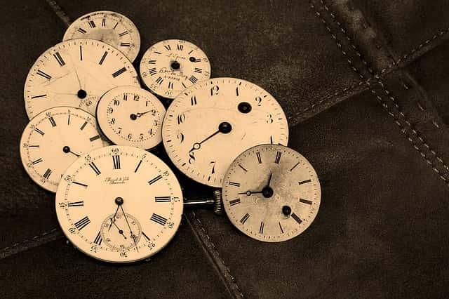 watches-1204696_640-min
