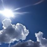 トレチノイン治療中、室内でも日焼け止めは必要か?