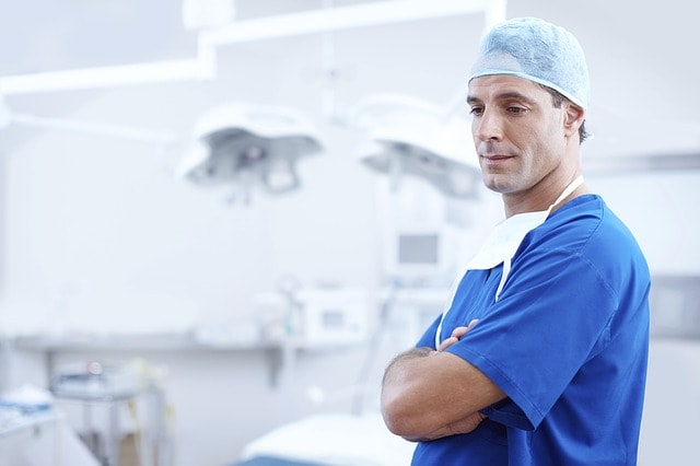 doctor-1149149_640-min
